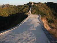 """Autorităţile chineze, criticate pentru reparaţiile """"urâte"""" efectuate la Marele Zid Chinezesc"""