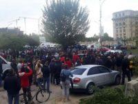 Aproximativ 1.500 de persoane au protestat, în Bucureşti împotriva votului în cazul Oprea