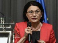 Ecaterina Andronescu vrea să scurteze vacanţa de iarnă