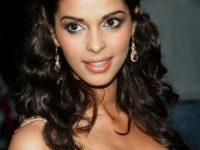 Actriţa indiană Mallika Sherawat, agresată la Paris