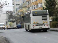 Transport gratuit cu autobuzele doar pentru elevii care locuiesc în Suceava