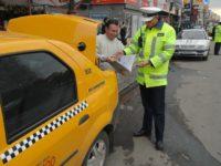 Taximetrist din Suceava depistat lucrând fără lampă şi aparat de taxat