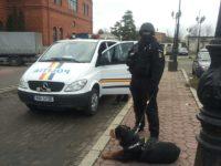 Procurorii anchetează descoperirea macabră din beciul unei case din Marginea