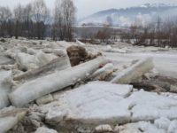 Fenomenele de îngheţ de pe Bistriţa sunt monitorizate permanent