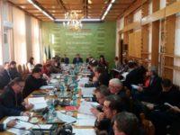 CJ Suceava pus să majoreze, cu un ban, o alocare de cofinanţare pentru un proiect de modernizare a unei şcoli din Rădăuţi