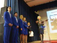 """Echipajul studenţilor premiaţi la """"Ecotrophelia"""" a câştigat Bursa de excelenţă """"Ştefan cel Mare"""""""