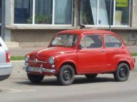 Automobile de epocă expuse de un pasionat al maşinilor istorice