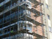 Douăzeci de muncitori fără contract de muncă, prinşi la firmele de construcţii din judeţ