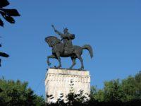 Consilierii locali suceveni au aprobat restaurarea soclului statuii lui Ştefan cel Mare