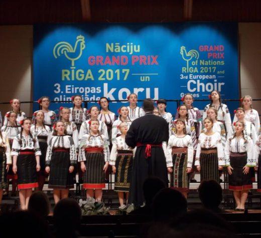 """Două medalii de argint pentru Corala """"Ciprian Porumbescu"""" a CN """"Ştefan cel Mare"""" Suceava"""