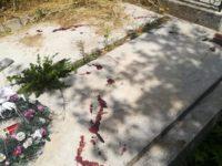 Morminte stropite cu sânge omenesc în cimitirul din Vatra Dornei