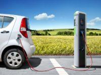 Numărul maşinilor electrice va creşte constant în următorii ani
