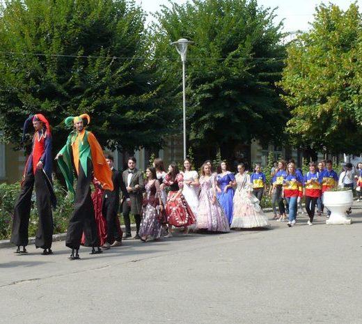"""S-a ridicat cortina unei noi ediţii a Festivalului """"Birlic"""""""