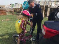 Mulţumită poliţiştilor, va merge cu bicicleta la şcoală