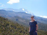 Farmacista diriginte al Catena Suceava, Ioana Alexandra Hrişcu Poienaru, a cucerit muntele Kilimanjaro