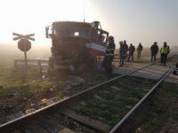 A scăpat cu viaţă chiar dacă a fost acroşat de locomotiva unui tren