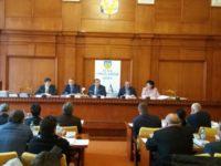 Consilierii judeţeni suceveni vor ca ARR să verifice cursele interjudeţene de maxi-taxi care tranzitează municipiul Suceava