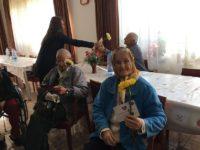 Flori, urări şi gânduri bune, de ziua lor, pentru vârstnicii suceveni