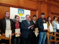 Şase suceveni medaliaţi cu aur la campionate mondiale şi europene şi doi antrenori, premiaţi de CJ Suceava