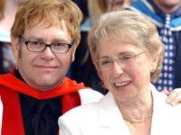 """Sir Elton John se declară """"şocat"""" în urma morţii mamei sale"""