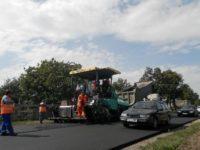 Prefectul anunţă că s-au contractat lucrări de reparaţii pentru 13,7 km pe DN 17 şi 28 km pe DN 17B