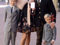 Soţia lui Rod Stewart, diagnosticată cu dislexie la vârsta de 46 de ani