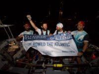 Patru români, între care şi medicul sucevean Vasile Oşean, au traversat Atlanticul într-o barcă cu vâsle, stabilind un nou record mondial