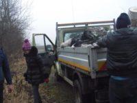 Zeci de locuitori din Bilca au curăţat albia pârâului de unde se captează apa ce alimentează comuna