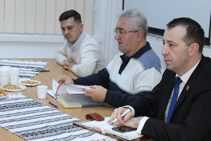Interes scăzut al locuitorilor din Obcini şi George Enescu pentru şedinţele publice de dezbatere a bugetului local