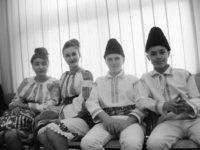 """Românca Livia-Andreea Stăşescu – """"Studenta anului"""" la Colegiul de cooperaţie şi drept din Cernăuţi"""