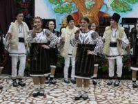 """Ediţia a V-a """"10 pentru folclor"""" reuneşte, anul acesta, artişti din întreaga ţară"""