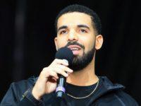 Rapperul Drake a împărţit 1 milion de dolari într-un cartier sărac din Miami