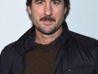 """Actorul Luke Wilson, considerat """"erou"""" după ce a scos o femeie dintr-un vehicul în urma unui accident"""