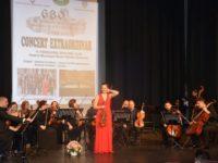 Doi violonişti de talie internaţională, tată şi fiică