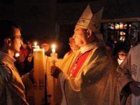 Mii de creştini catolici suceveni sărbătoresc Paştele