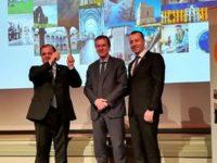 """Gheorghe Flutur şi Lucian Harşovschi au primit, la Bruxelles, premiul """"Suceava – destinaţie europeană de excelenţă"""""""