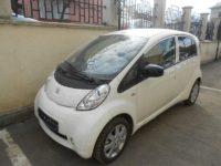 Primele opt autoturisme electrice Peugeot iON au sosit ieri în Suceava