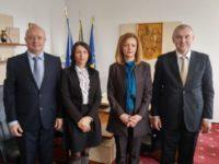 Ambasadorul din Belarus, oaspete al prefectului Mirela Adomnicăi