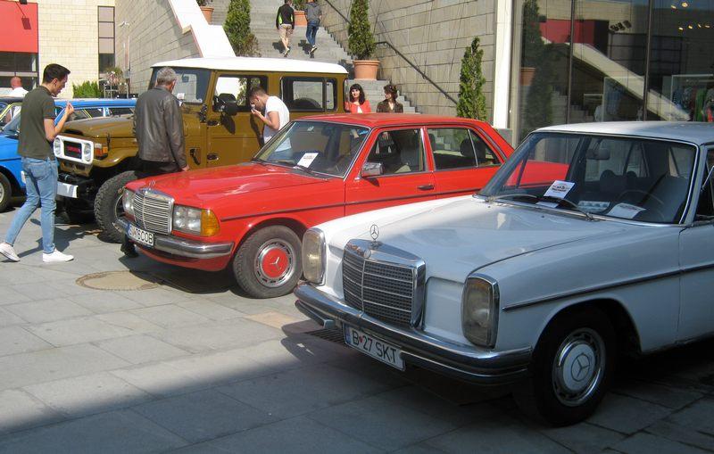 Peste 50 de maşini expuse la Retro Parada Primăverii