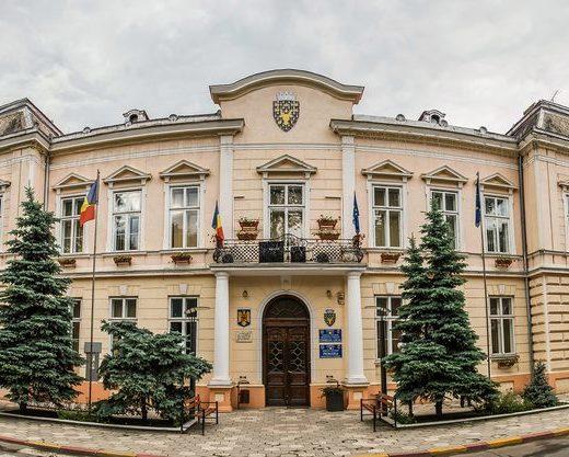Bogdan Loghin a găsit datorii de milioane de euro la Primăria Rădăuţi