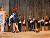 """Momente emoţionante şi bucurie pentru cei 190 de absolvenţi ai Colegiului Naţional """"Ştefan cel Mare"""" Suceava"""