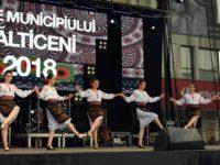 Folclor românesc şi bucurie fără graniţe a reîntâlnirii