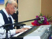 """Muzician de poveste, Dragoş Bidirel este """"ultimul mohican"""" al saloanelor şi restaurantelor cu ştaif din Suceava"""