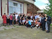 """""""Reuniunea Kastelanilor"""" a adunat la Liteni 40 de foşti tineri instituţionalizaţi, şi foşti profesori şi educatori"""