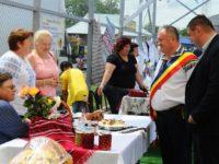 Festival al produselor tradiţionale sub umbrele tricolore