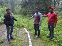 Trei indieni descoperiţi, fără călăuză, la graniţa de nord a judeţului