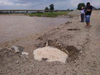 Reprezentanţii SGA Suceava au avertizat de duminică seara că debitul râului Suceava va creşte mult, iar podul temporar de la Milişăuţi e nesigur