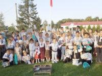 """Laureaţii Festivalului-concurs de toacă pentru copii şi tineret """"Lemnul sfânt care cântă"""", de la Dumbrăveni"""