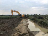 O breşă de 50 de metri într-un dig de pe pârâul Seaca pune în pericol circa 100 de case din comuna Boroaia