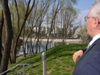 Primarul Ion Lungu susţine că rulota ambulantă de la Zona de agrement Tătăraşi a fost amplasată fără ştiinţa sa